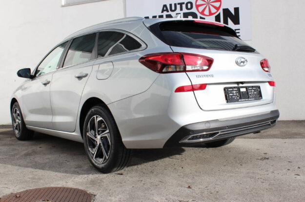 Hyundai i30 1.5 T-GDi Amplia 079277 silber (4)